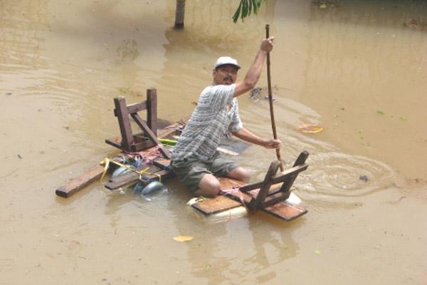 Banjir_roy_sudomo_2